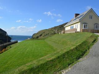 Lovely 4 bedroom House in Trebarwith Strand - Trebarwith Strand vacation rentals