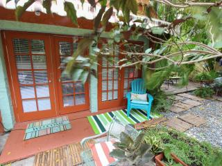 Charming Cottage Fantastic Location Close to Centr - Coconut Grove vacation rentals