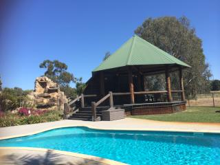Nivalis Bed and Breakfast - Swan Valley - Henley Brook vacation rentals