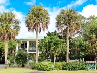 Beautiful Condo with Internet Access and A/C - Melbourne Beach vacation rentals
