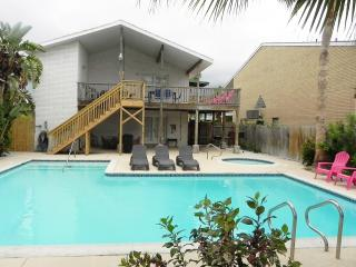 Casa Mezquite B - 2 Bedroom/2 Bathroom - Walk to the beach - WiFi -PadreVacation - South Padre Island vacation rentals