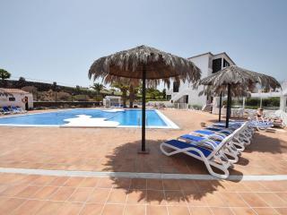 Ground floor spacious one bedroom apartment - San Miguel de Abona vacation rentals