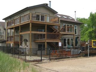 Luxury Indiana Dunes Beach Retreat: Sleeps 30!! - Gary vacation rentals
