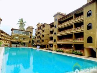 Beautiful Condo with Long Term Rentals Allowed (over 1 Month) and Shared Outdoor Pool in Siolim - Siolim vacation rentals