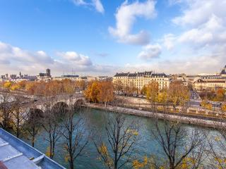 Romantic Flat on Ile Saint-Louis - Paris vacation rentals
