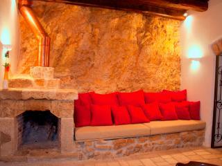 Beautiful Condo in Piaggine with A/C, sleeps 4 - Piaggine vacation rentals