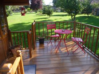 Nice Guest house with Linens Provided and Housekeeping Included - Vertus vacation rentals