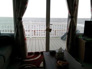 LUXURY STATIC CARAVAN ON THE SEA FRONT Sleeps 6 - Watchet vacation rentals