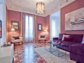 LUXURY CATALUNYA RAMBLAS ( HUTB 001256 ) - Barcelona vacation rentals