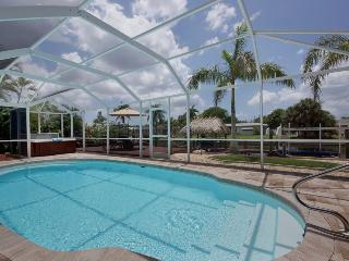****Villa Cape Escape Gulf access sleeps 6~Yacht Club~Nightly rates starting - Cape Coral vacation rentals