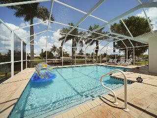 ***Villa Madeira~Rates start $85 per night~Gulf access sleeps 6!**** - Cape Coral vacation rentals