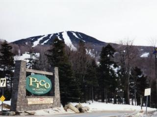 Pico Resort Slopeside Condo G106 - Three bedroom Two bathroom Walk to Lift & Ski Home To Your Back Door! Sports Center on Premises! - Killington vacation rentals