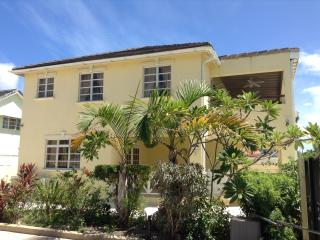 3 Bedroom House in Great Location - Enterprise vacation rentals
