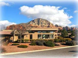 Enjoy the beautiful Red Rocks while staying in this luxury Town Home! - West Sedona vacation rentals
