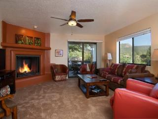 Stylish, Contemporary Town Home is a Golfers Dream Town Home! COPPER - S099 - Village of Oak Creek vacation rentals