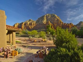 Contemporary Ranch Home sits on a 1/3 acre with Post-Card Views! RODEO - S047 - West Sedona vacation rentals