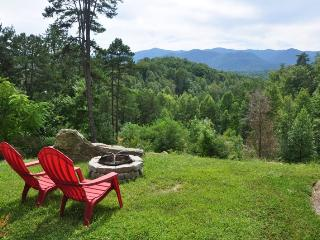 A Wilderness Hideaway - Delightful Rental Just 10 Minutes from Casino with Amazing View, Hot Tub, 2 Gas Fireplaces, and Upgraded Firepit - Whittier vacation rentals