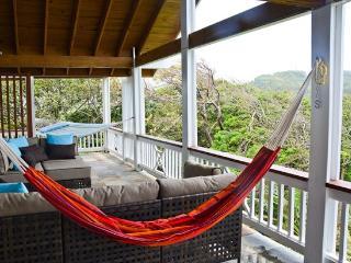 Gecko Loco - West Bay vacation rentals