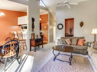 Well-appointed Sunriver home near SHARC, the Village, & golf - Sunriver vacation rentals