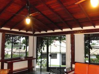 Linda casa  em Geriba-perto da praia e do centro - Buzios vacation rentals