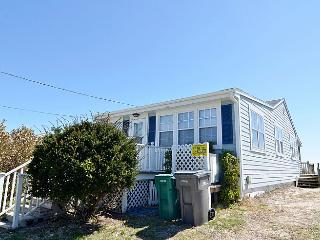 Summer Breeze - Wonderful Oceanfront View, Excellent Location, Affordable, Near Pier & Shops - Surf City vacation rentals