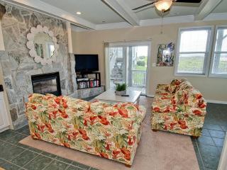 Cozy 2 bedroom Emerald Isle Condo with Internet Access - Emerald Isle vacation rentals