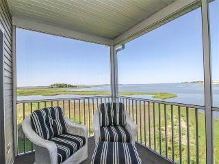 4 bedroom Apartment with Internet Access in Cedar Neck - Cedar Neck vacation rentals
