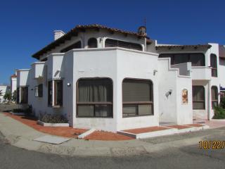 CONDO SANCHO 2 BED 1 BATH W/ OCEAN VIEW (sleeps 4) - Ensenada vacation rentals