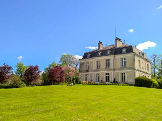 Spacious House with Private Outdoor Pool and DVD Player - Saint-Paul-Lizonne vacation rentals