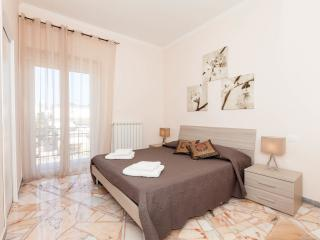"""Anthony's Home"" up to 5 people - 2 bathroom - Rome vacation rentals"