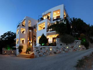 Spacious 6 bedroom Resort in Plomari - Plomari vacation rentals