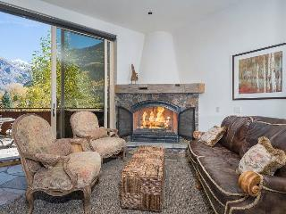 Rivercrown One: 3 bed, 3.5 bath located in downtown Telluride - Telluride vacation rentals
