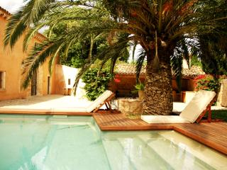 Exclusive historical finca, completely renovated - Buger vacation rentals