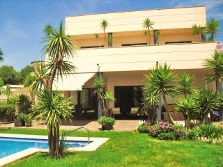 CD363 - Modern, comfortable and spacious villa! - Calafell vacation rentals