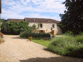 Cottage Chez Mimi on Domaine Le Repaire: - Vieux-Mareuil vacation rentals