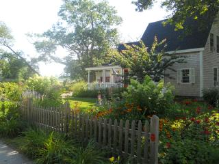 Quintessential Maine cottage in picturesque Cape Porpoise Village - Kennebunkport vacation rentals