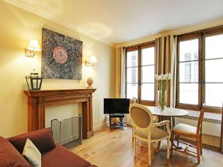 Peaceful One Bedroom Grands Augustins Seine River - Paris vacation rentals