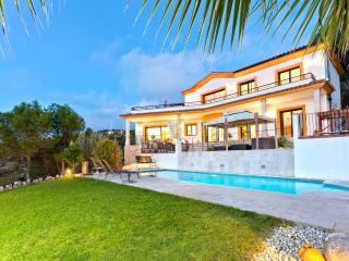 Perfect 5 bedroom Villa in Olivella - Olivella vacation rentals