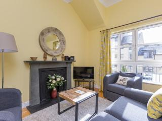 Old Tolbooth apartment 3 - Edinburgh vacation rentals
