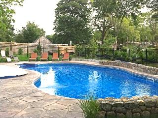 Updated East Orleans 6 Bed with Heated pool: 004-O - East Orleans vacation rentals