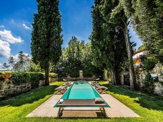 Charming 4 bedroom Villa in Galluzzo with Internet Access - Galluzzo vacation rentals