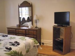 Large Comfy GuestRoom in Harrisburg / Monthly -15% - Harrisburg vacation rentals
