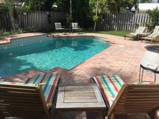BEACH LOVER'S PARADISE  FAB - 3/2 home heated pool - Lauderdale by the Sea vacation rentals
