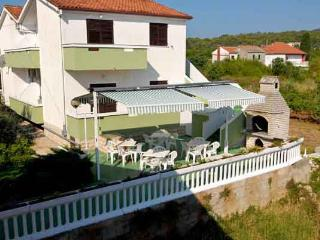 Cozy 2 bedroom Kukljica Apartment with Internet Access - Kukljica vacation rentals