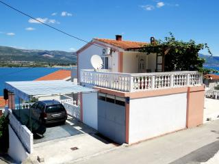 2 bedroom Apartment with Internet Access in Mastrinka - Mastrinka vacation rentals