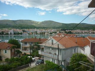 8029  A1(2+2) - Trogir - Trogir vacation rentals