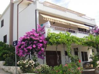 8213  A2(2+1) - Seget Vranjica - Seget Vranjica vacation rentals