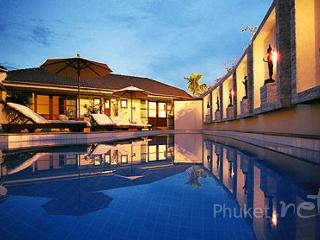 Deluxe 4-Bed Villa near Golf Courses in Kathu - Kathu vacation rentals