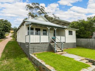 LOTTI'S COTTAGE - Lorne vacation rentals