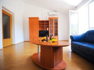 35188  H(11+5) - Mrljane - Pasman vacation rentals